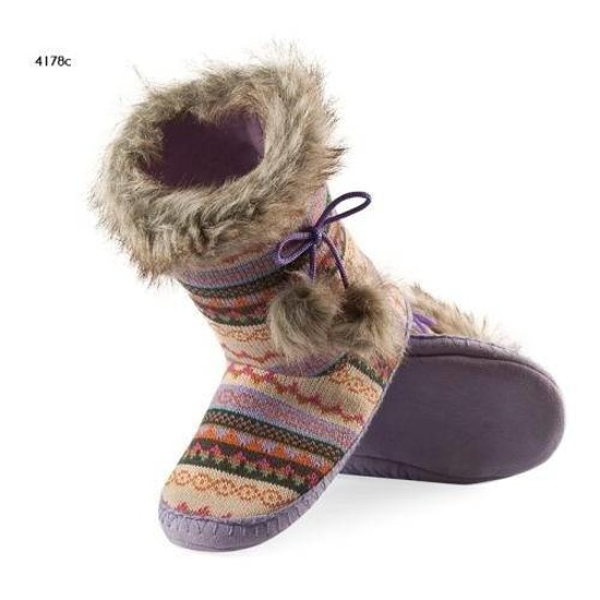 Slipper boots with fur pompons – purple