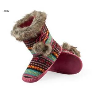 Slipper boots with fur pompons – pink